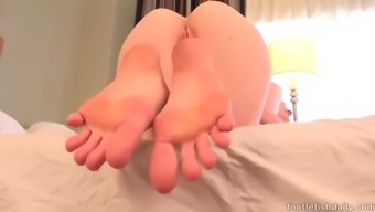 exotic each foot - abbey pour being photos