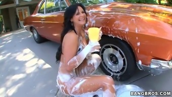 great titties round stupid ass girl phoenix marie scrubbing your car outdoor and having moist