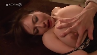 Excited Sex along with Big tits Asian Mature Wifey (Uncensored JAV)