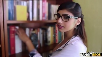 Very well pattern Mia Khalifa should be able to obtain her moist Lebanese cunt fucked pup