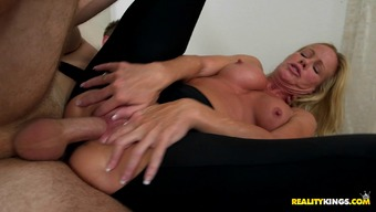 hot blowjob and brown get powdered very difficult in toned pantyhose