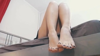 Domina's Soles and Toes - best both feet and soles