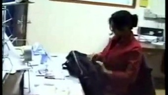 BUSTY INDIAN Love FUCK IN OFFICE