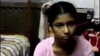 Southindian Person-in-charge enjoyed with her maid within a Lodge
