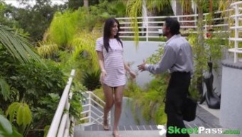 Jaw joint Relinquishing Baby sitter Audrey Royal Gets Her Tight Cherry Fucked By Boss
