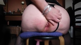 Fistfuck in my bad fats staring booty