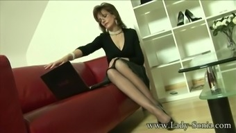 Great britain MILF Sonia desires cum, but is missing time for them to fuck