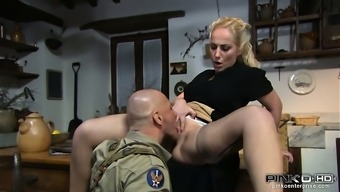 Brown homemaker gets her pussy eaten by a soldier