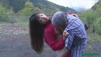 Asian Girl Getting Her Pussy Licked And Fucked By Old One Cum To effectively Stupid ass Outdoor adventure At