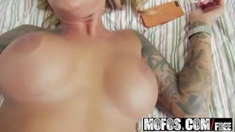 Mofos - Pervs On Guard - Britney Shannon - Remaining so they'll Ge