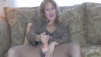 Milf Sammi playing