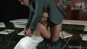 Penetrating the pussy of a plump milf Victoria The hot season within the club