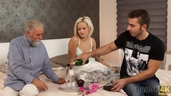Gorgeous blonde board morning time intercourse by using huge father
