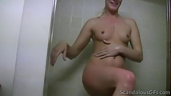 Sexy girlfriend takes a shower and sucks a dick