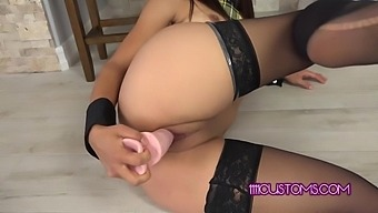 4k Fucks Her Ass And Pussy With A Double Dildo - Jynx Maze