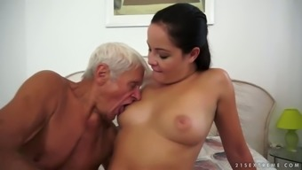 Unclean youngster girl sucking very difficult lift of attractive grandaddy