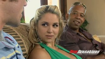 Major tittied pale splendor Sarah Vandella let her BF stream how he face fucks BBC