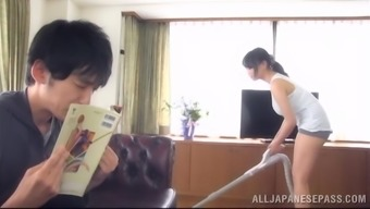 Sizzling Japanese girl encourages an individual get her big genuine tits