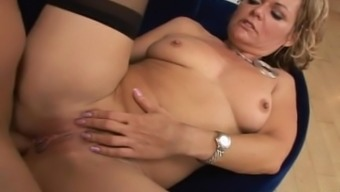 Kelly Leigh - Big Ass MILF Missing In their own Stupid ass