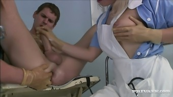 Bisexual sufferer has wild environment sexual intercourse utilizing a medical professional along with a look after