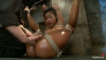 Extraordinary sexual intercourse slave Skin's surface Stone is under oiled bondage