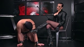 Femdomlady and Bootlicking Male Slave