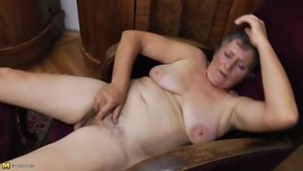 Granny feels very perverted and make a decision to listen to with her furry pussy