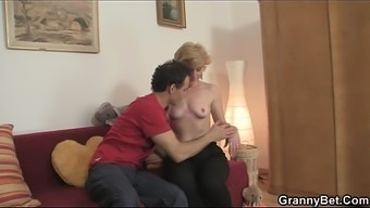 Trimmed grow older blonde learned for make use of the