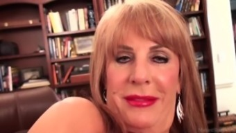 Slutty blonde Rae Hart grow older dreams of soliciting and entertaining her pansy vid